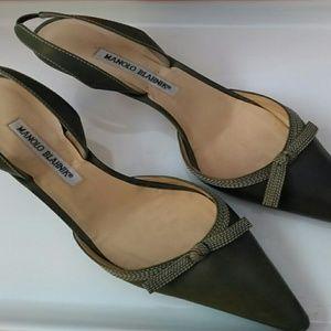 Manolo Blahnik kitten heels green 9